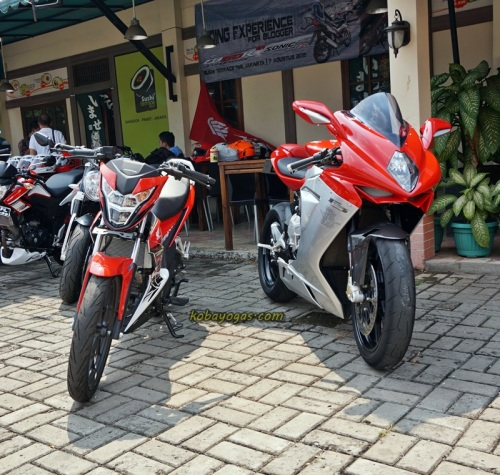 Honda Sonic vs MV Agusta F3