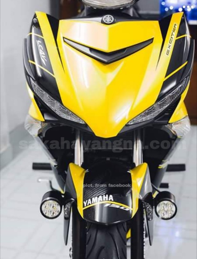 exciter yellow 7