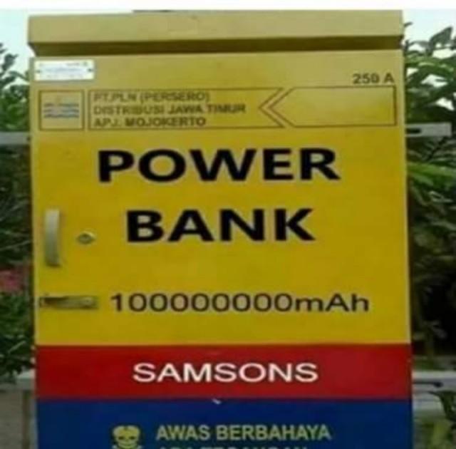 Power bank gede banget 😂
