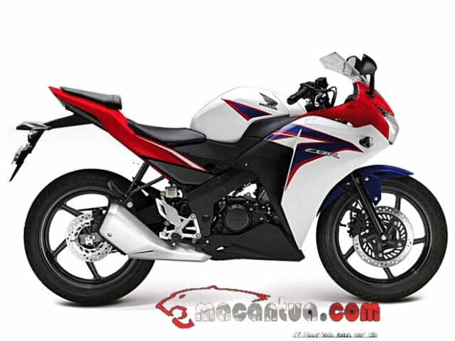 cbr150r-cbu-thailand-modifikasi-buntut-all-new-cbr150r-facelift-2016-macantua-com_-jpg