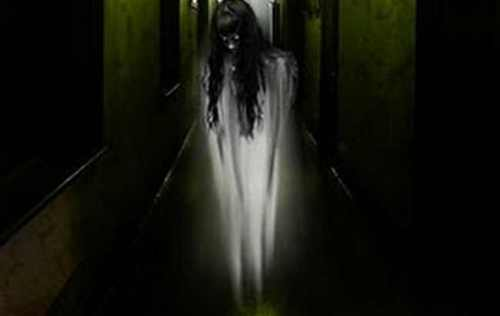 hantu wanita